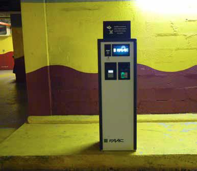Mercure La Grande Arche Hotel ParQube installation HUB Parking