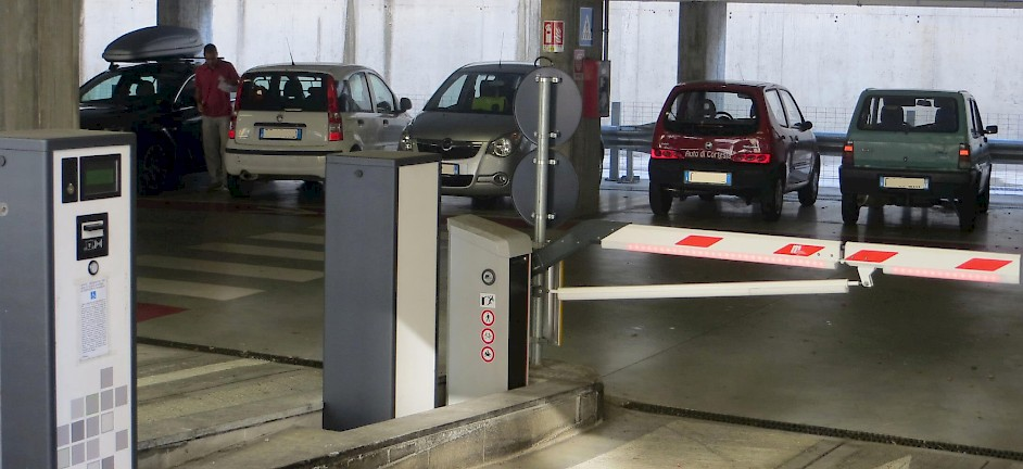 Grandi Stazioni Italy HUB Parking ParQube installation