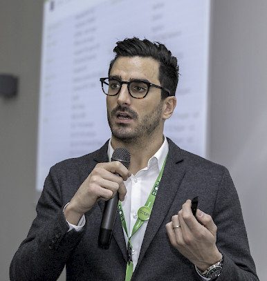 Head of Product Marketing for HUB, Enrico Filippi is speaking