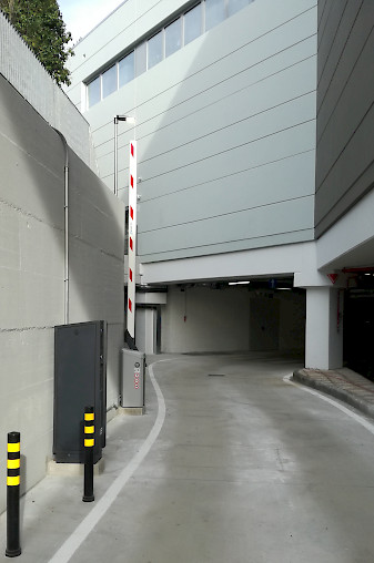 Entrance of the car park at Oasi Superstore, equipped with Jupiter