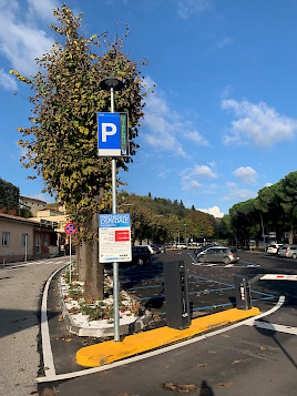 entrance of the parking area of the Ospedale San Pellegrino, equipped with Jupiter