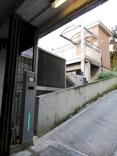 l'installazione HUB presso il supermercato MA a Roma è un esempio di flessibilità ed adattamento del sistema ai bisogni specifici del cliente